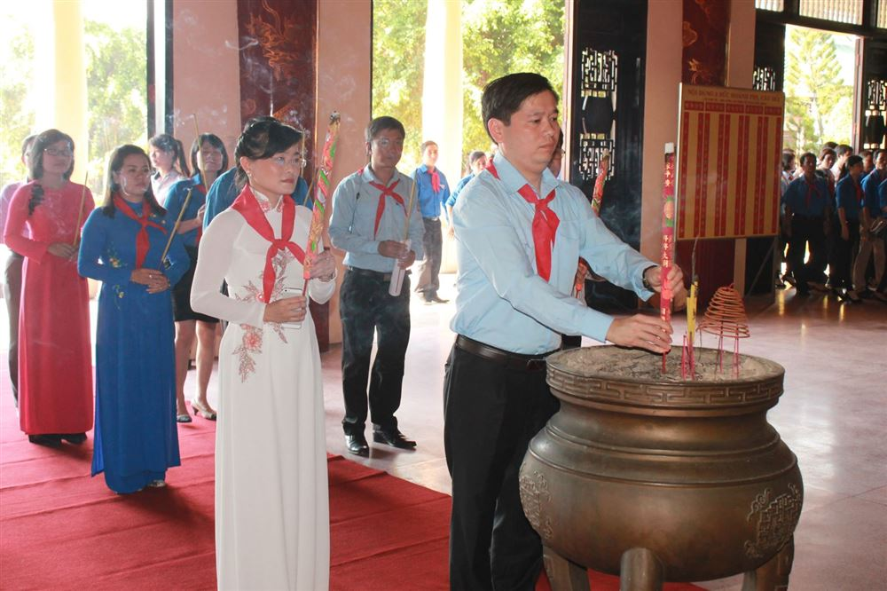 """Đồng Nai:Tổ chức họp mặt Giáo viên Tổng phụ trách Đội và tuyên dương """"Cánh én hồng"""" tỉnh Đồng Nai"""