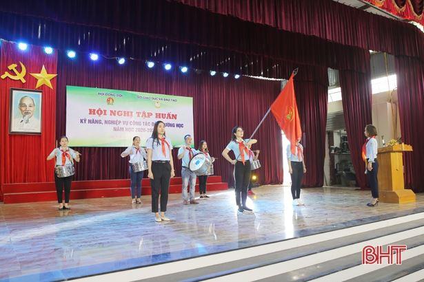 HĐĐ tỉnh Hà Tĩnh - Nâng cao kỹ năng, nghiệp vụ cho cán bộ phụ trách thiếu nhi, giáo viên làm Tổng phụ trách Đội năm học 2020-2021