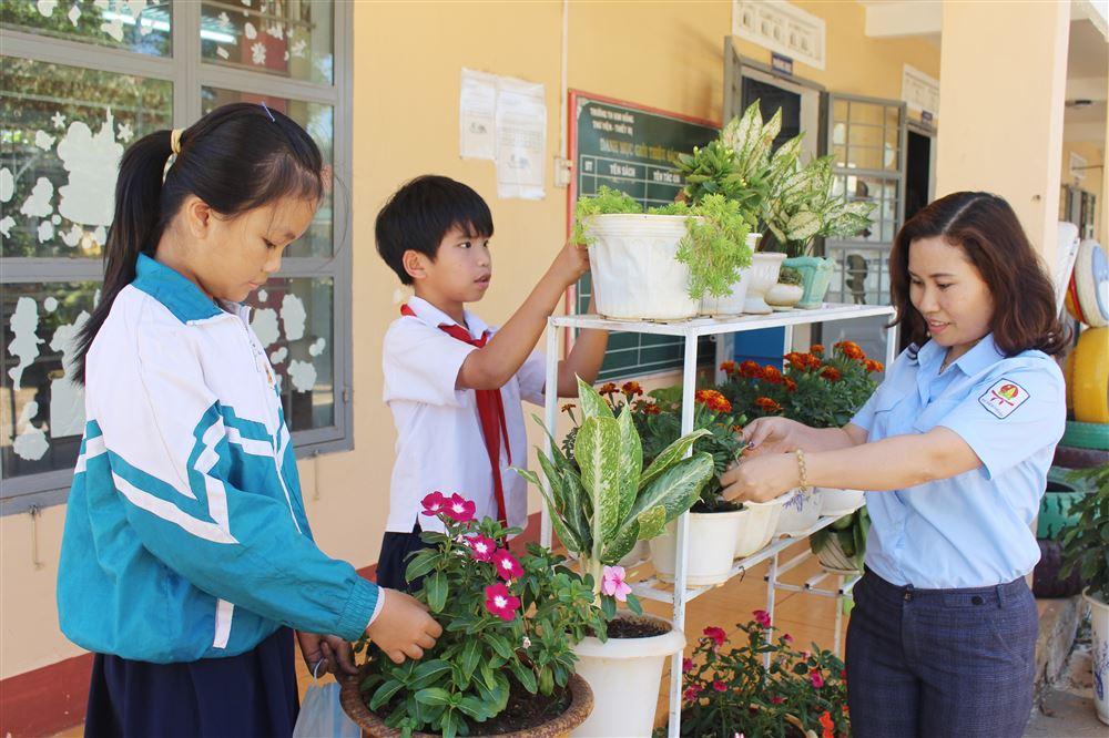 Nguyễn Thúy Hằng: Tổng phụ trách Đội năng động, giàu nghị lực