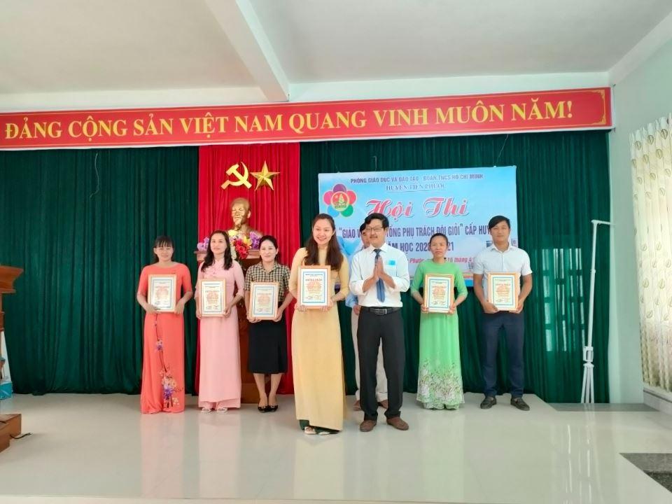 """Quảng Nam: Sôi nổi Hội thi """"Giáo viên làm Tổng phụ trách Đội giỏi"""" chào mừng sinh nhật Đội TNTP Hồ Chí Minh"""