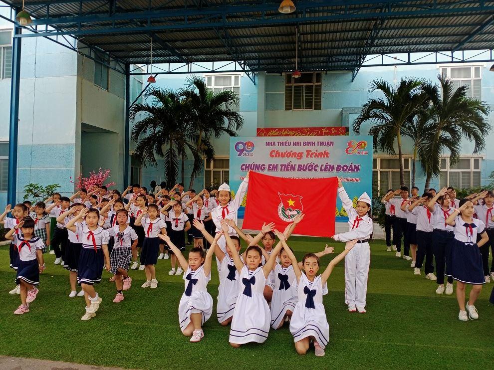 """NTN Bình Thuận: Chương trình """"Chúng em tiến bước lên Đoàn"""""""