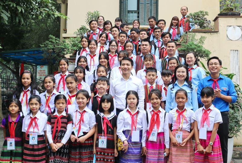 Gặp mặt đoàn đại biểu Cháu ngoan Bác Hồ huyện A Lưới, tỉnh Thừa Thiên Huế