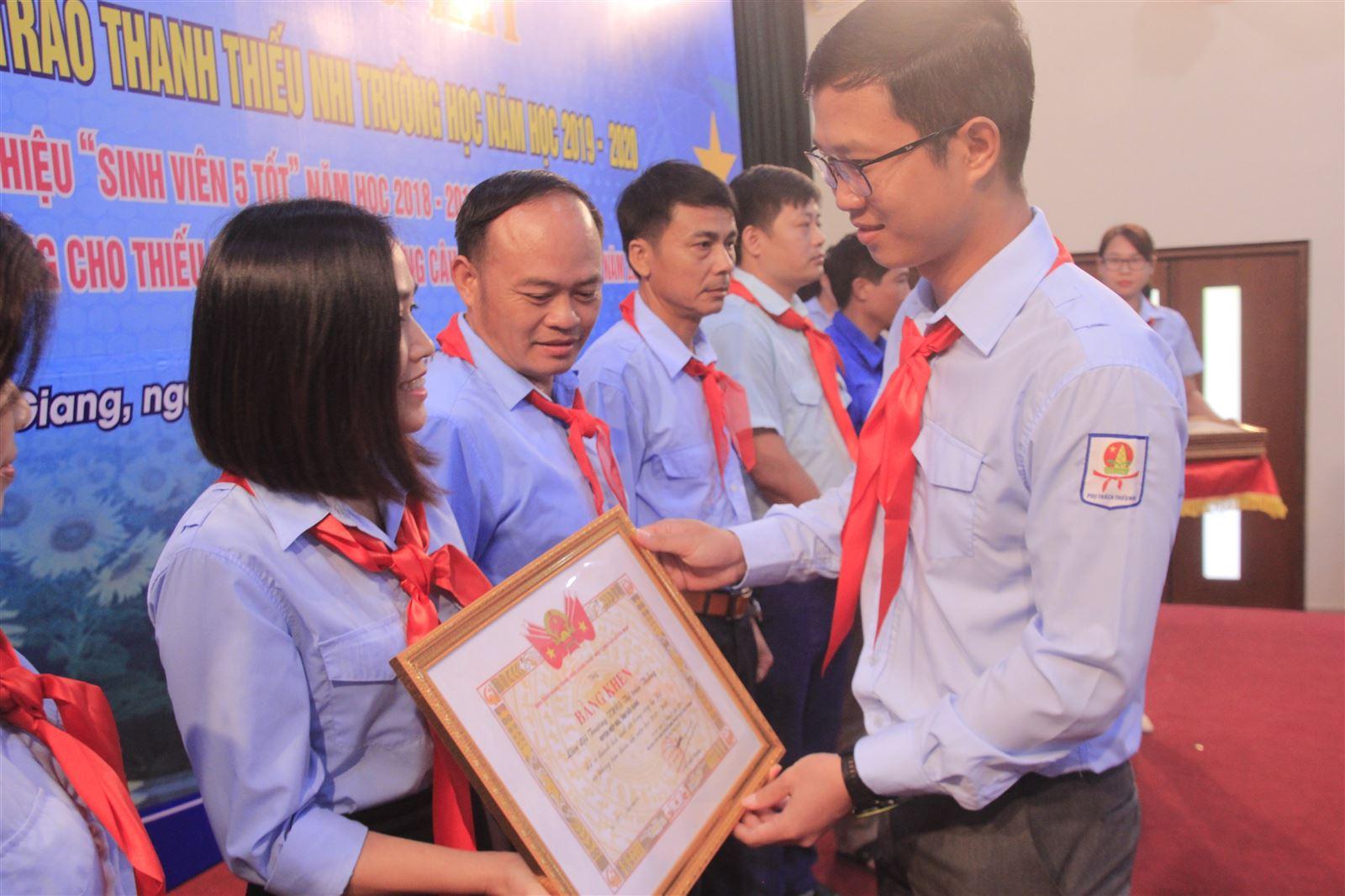 Bắc Giang: Hội nghị Tổng kết Công tác Đội và PTTN năm học 2019-2020