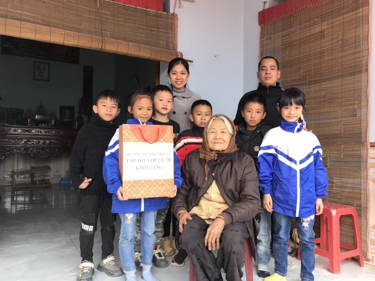 Bắc Giang: Đẩy mạnh thực hiện Phong trào Áo lụa tặng bà