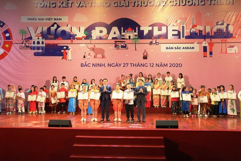 Tổng kết và trao thưởng Chương trình Thiếu nhi Việt Nam vươn ra thế giới lần I với chủ đề Bản sắc ASEAN