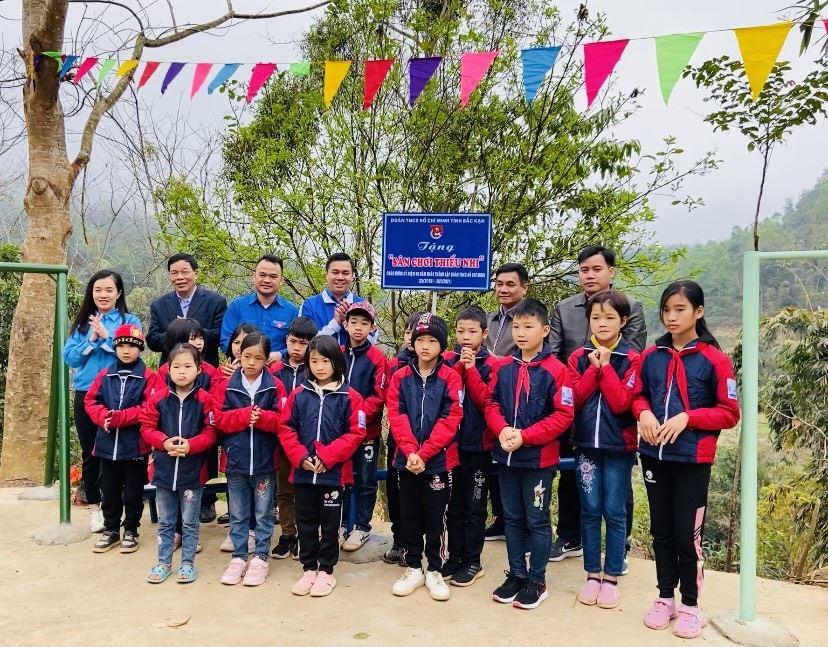 Bắc Kạn: Khánh thành sân chơi cho thiếu nhi – Công trình măng non chào mừng kỷ niệm 90 năm Ngày thành lập Đoàn TNCS Hồ Chí Minh.