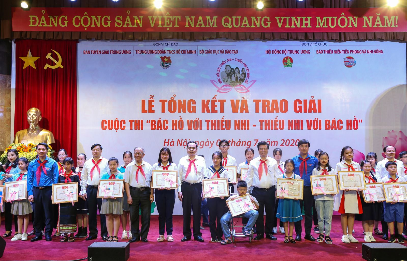 Lễ tổng kết và trao giải cuộc thi Bác Hồ với thiếu nhi - thiếu nhi với Bác Hồ
