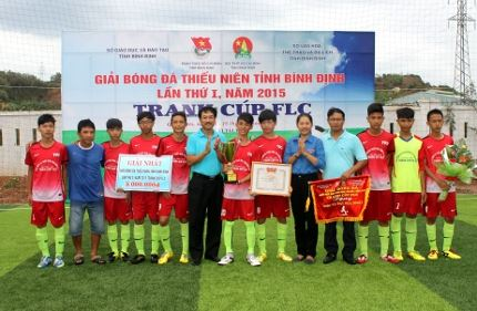 Bình Định: Giải bóng đá thiếu niên tỉnh Bình Định lần thứ I - 2015 tranh cúp FLC