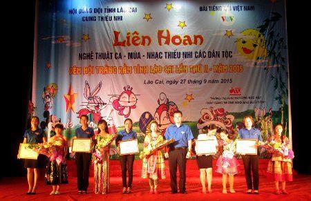 Liên hoan ca - múa - nhạc thiếu nhi các dân tộc tỉnh Lào Cai 2015
