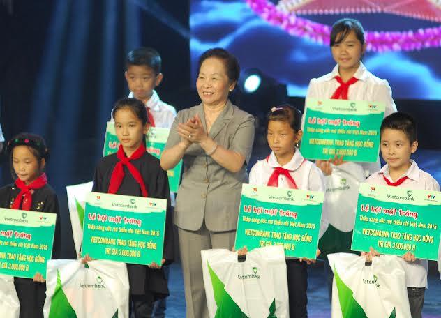 Lễ hội mặt trăng – Thắp sáng ước mơ thiếu nhi Việt Nam lần thứ 8