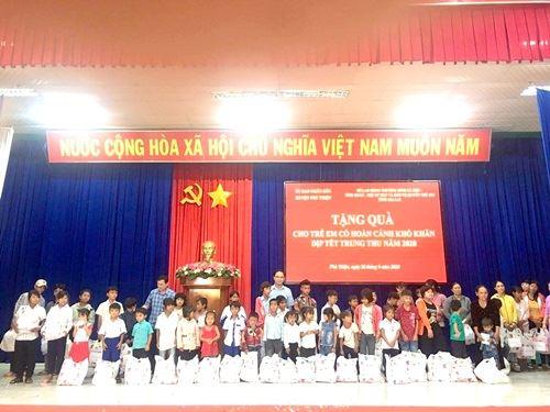 Gia Lai: Tỉnh đoàn phối hợp tổ chức trao tặng quà Trung thu cho thiếu nhi có hoàn cảnh khó khăn