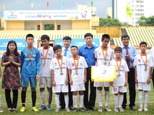 Hoàng Anh Gia Lai vô địch Giải Bóng đá Thiếu niên toàn quốc 2017 Cúp báo Nhi Đồng-Veba