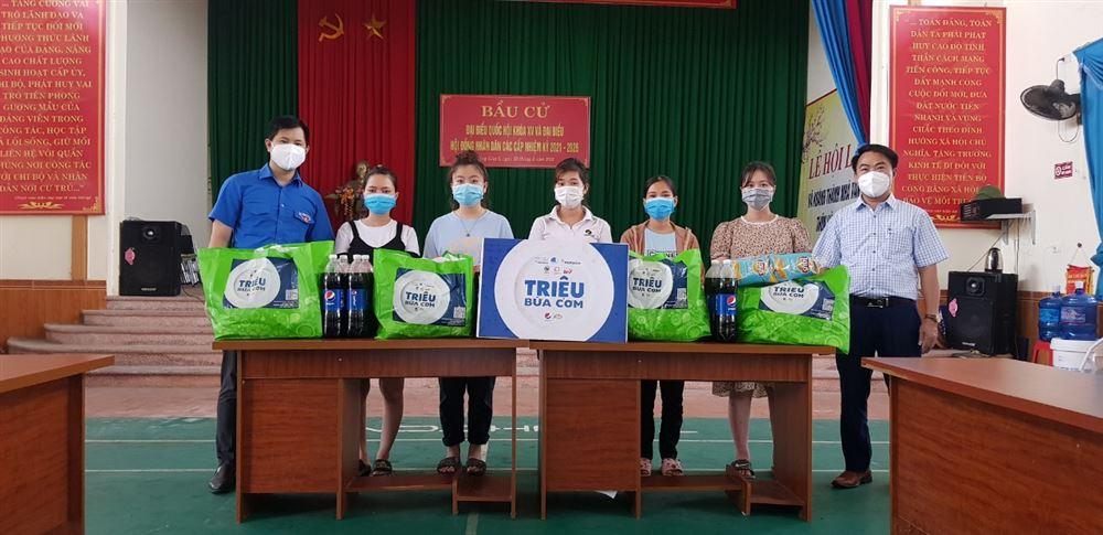 """Bắc Giang: Chương trình """"Đồng hành cùng thai phụ công nhân trong hành trình vượt cạn""""."""