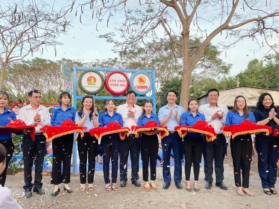 Hội đồng đội Trung ương tặng 04 sân chơi cho thiếu nhi Đồng Tháp trị giá 1 tỷ đồng