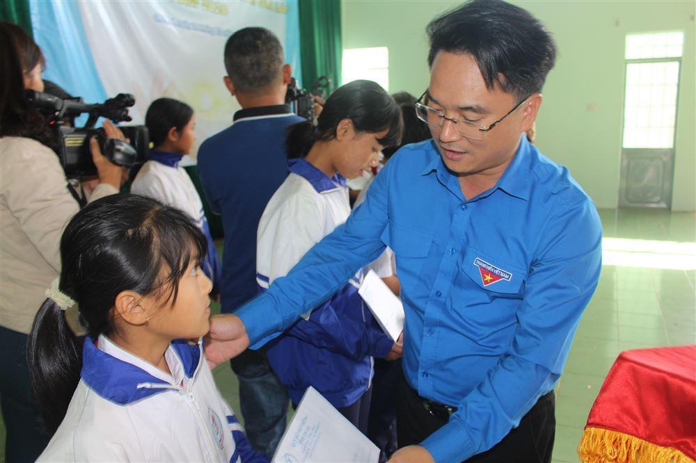 Gia Lai: Tổ chức Chương trình Thắp sáng ước mơ thiếu nhi Gia Lai năm 2020